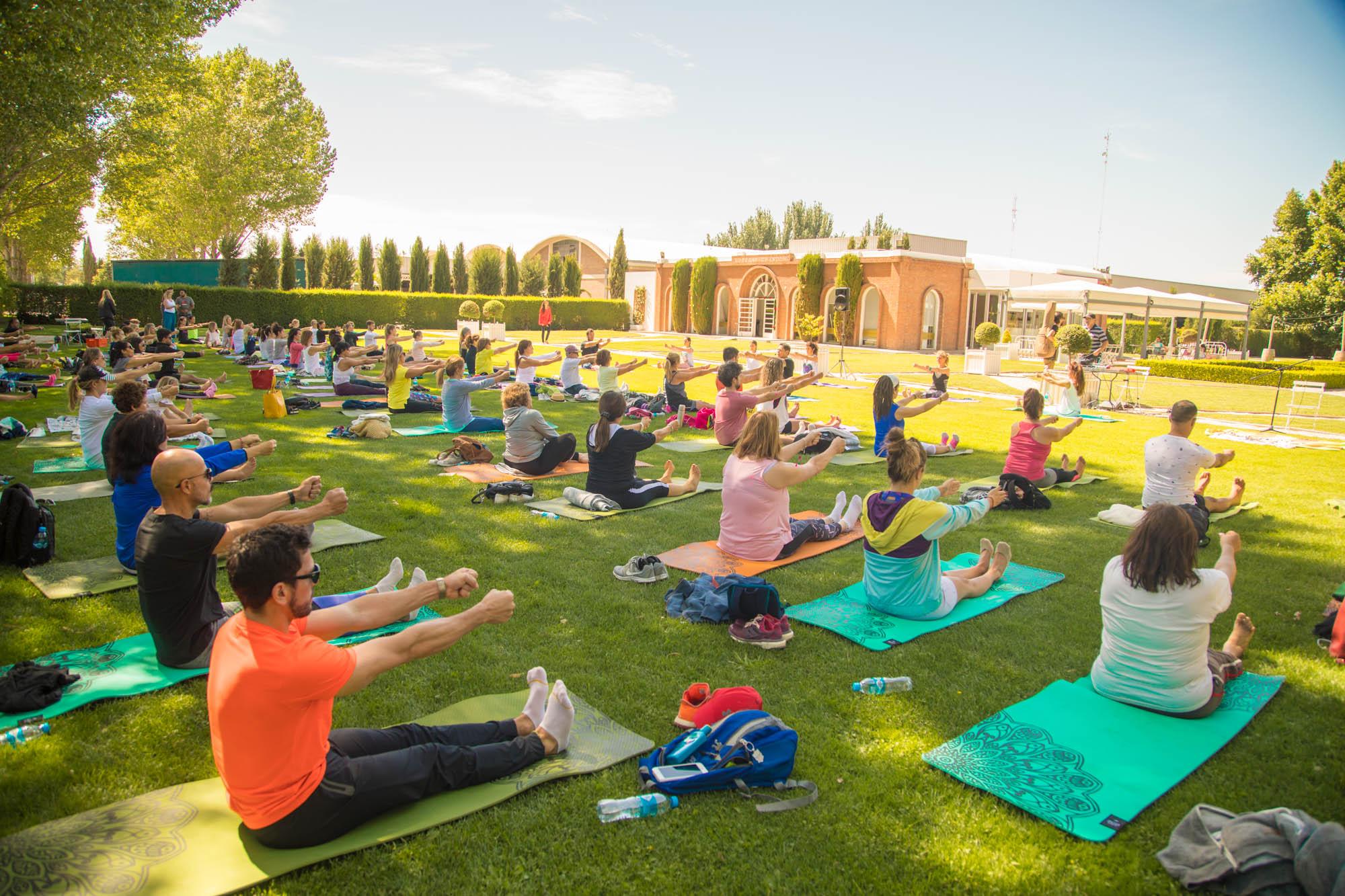 yoga-por-los-caminos-del-vino_7X1A9272