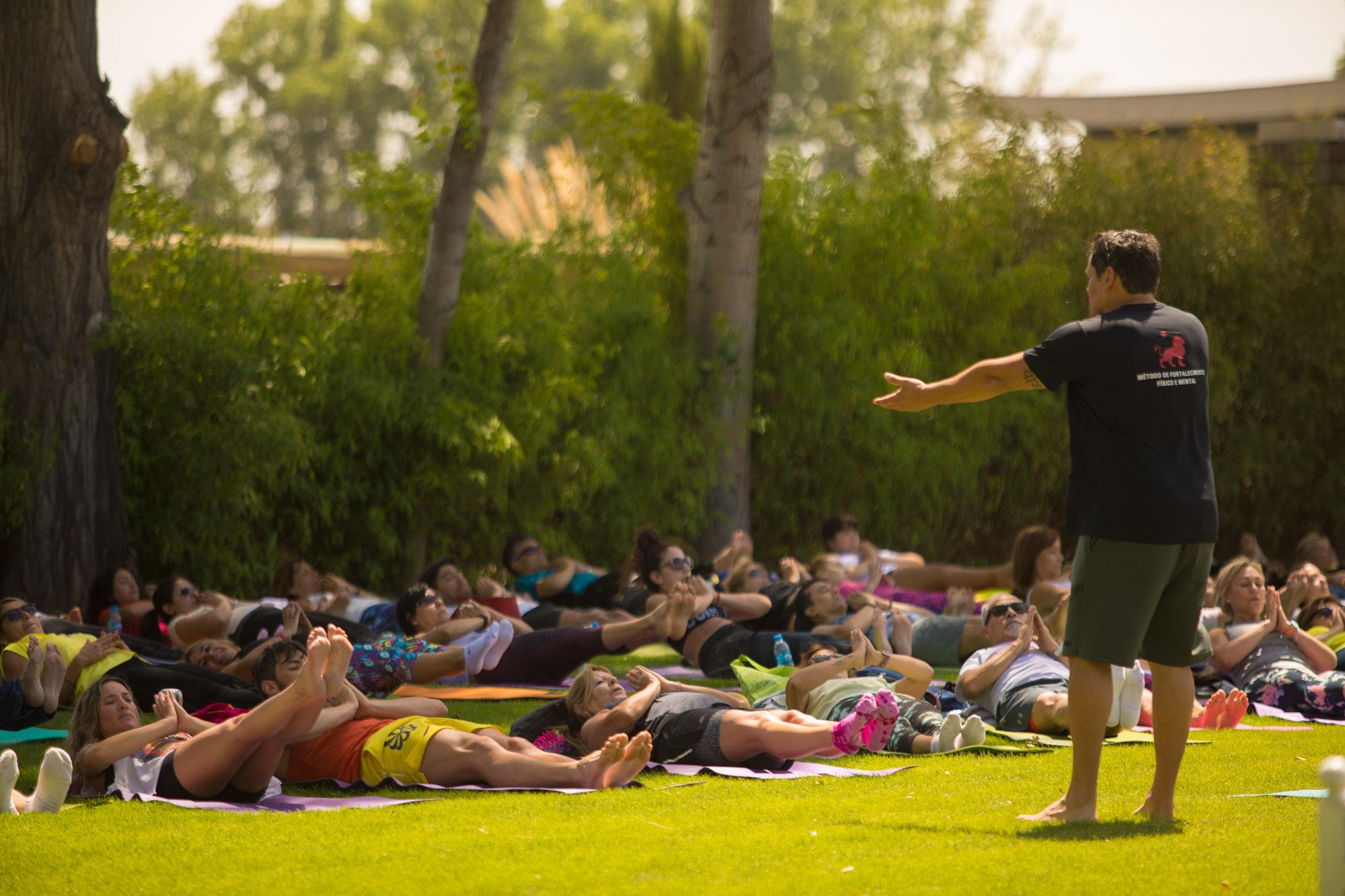 yoga-por-los-caminos-del-vino_7X1A9639